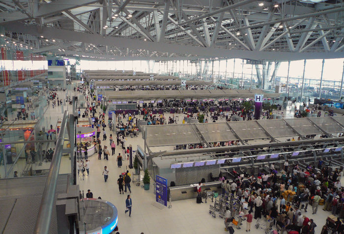 Surviving Bangkok Airport, and how to get downtown without